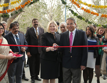 Ms. Leocadia I. Zak, Director, the U.S. Trade and Development Agency (USTDA) inaugurating the Smart Grid Lab along with Mr. Praveer Sinha, CEO&MD, Tata Power-DDL.